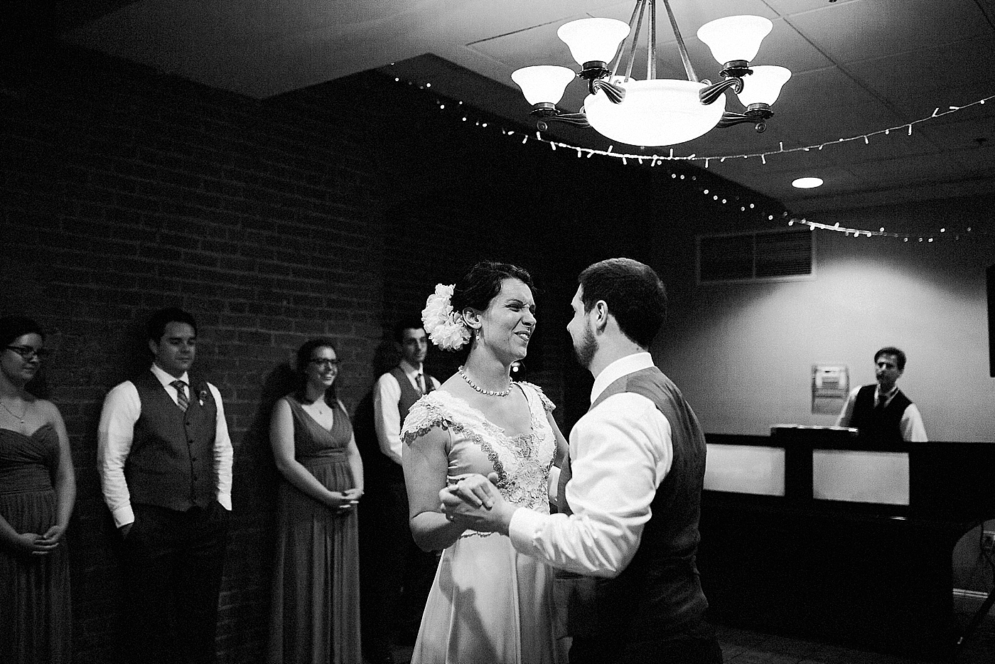 Inn at hendersons wharf wedding 1st dance