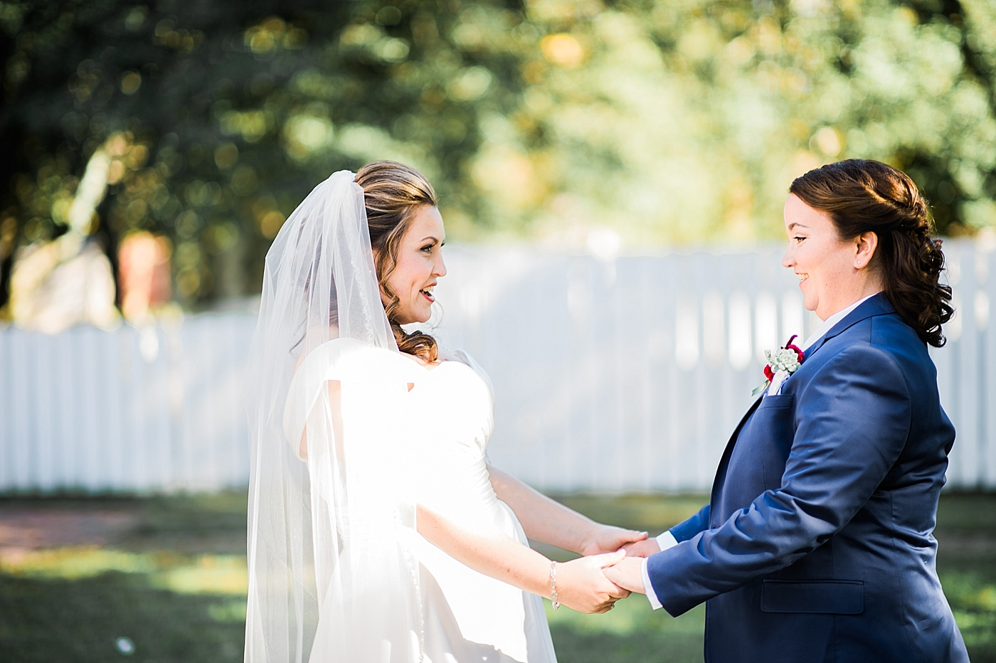Colonial Williamsburg brides 1st look